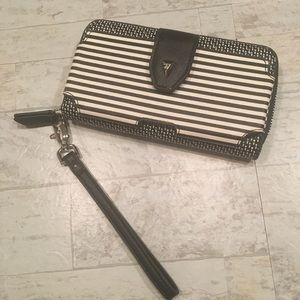 STELLA AND DOT Madison Tech Wallet Wristlet Phone